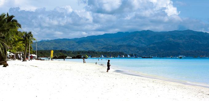 Boracay's white beach (Daniel Soriano)