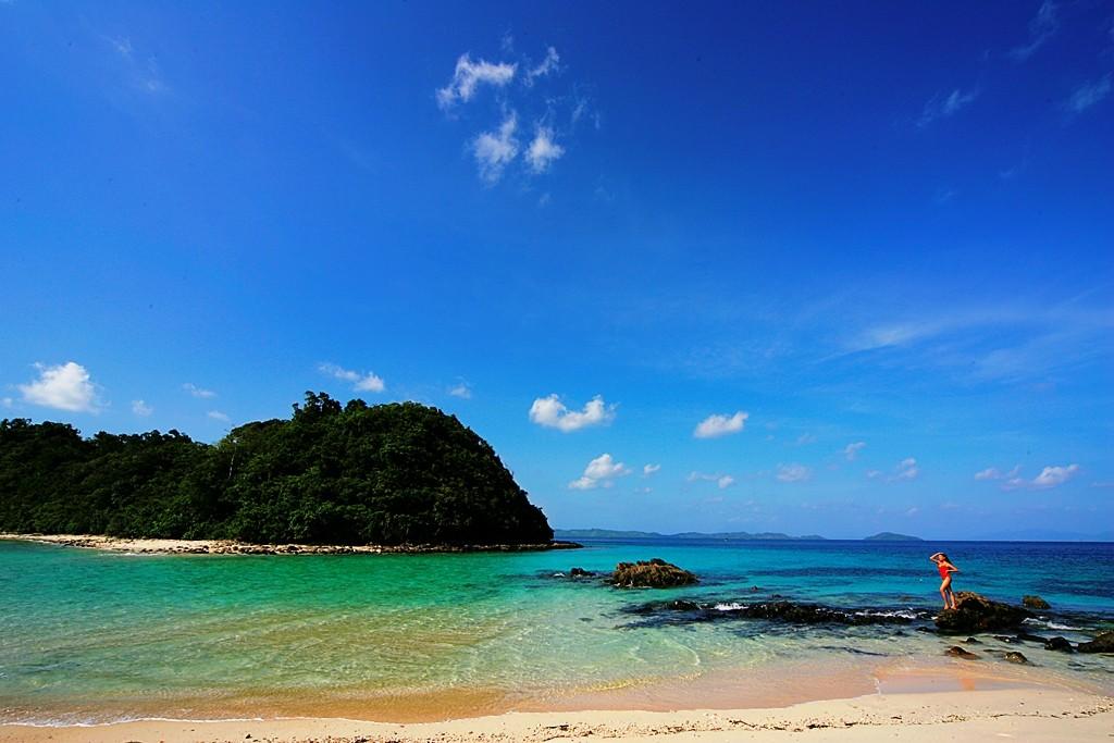 San Vicente Beach. Photo by Michael Marasigan