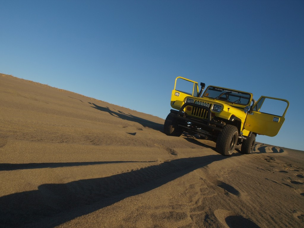 Paoay sand dunes 4x4 ride. Photo by Ferdz Decena