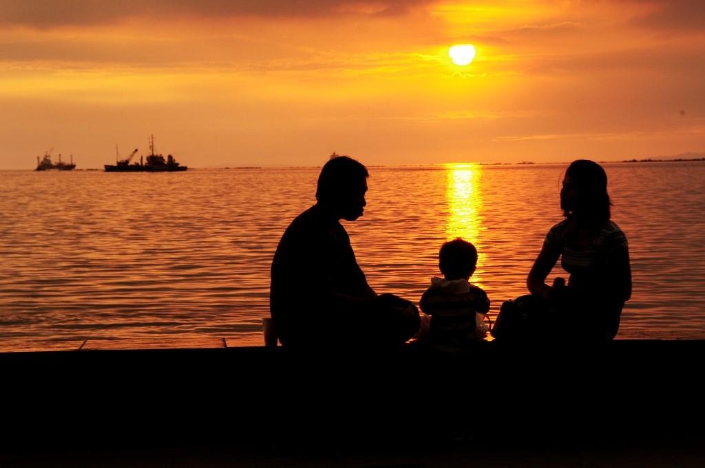 The Manila Bay sunset. Photo by Erik Liongoren