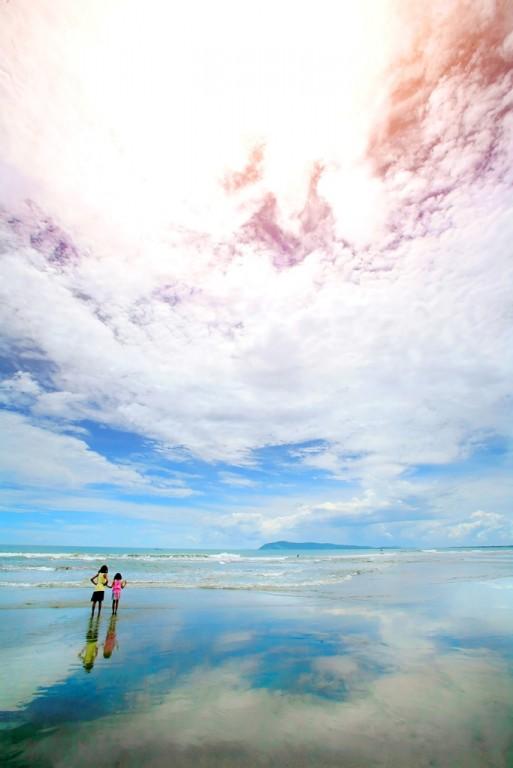 Bagasbas Beach. By Parc Cruz