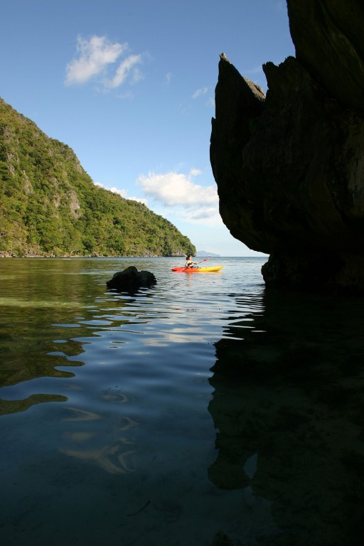Kayaking around Sangat Island. Photo by Tootoots Leyesa