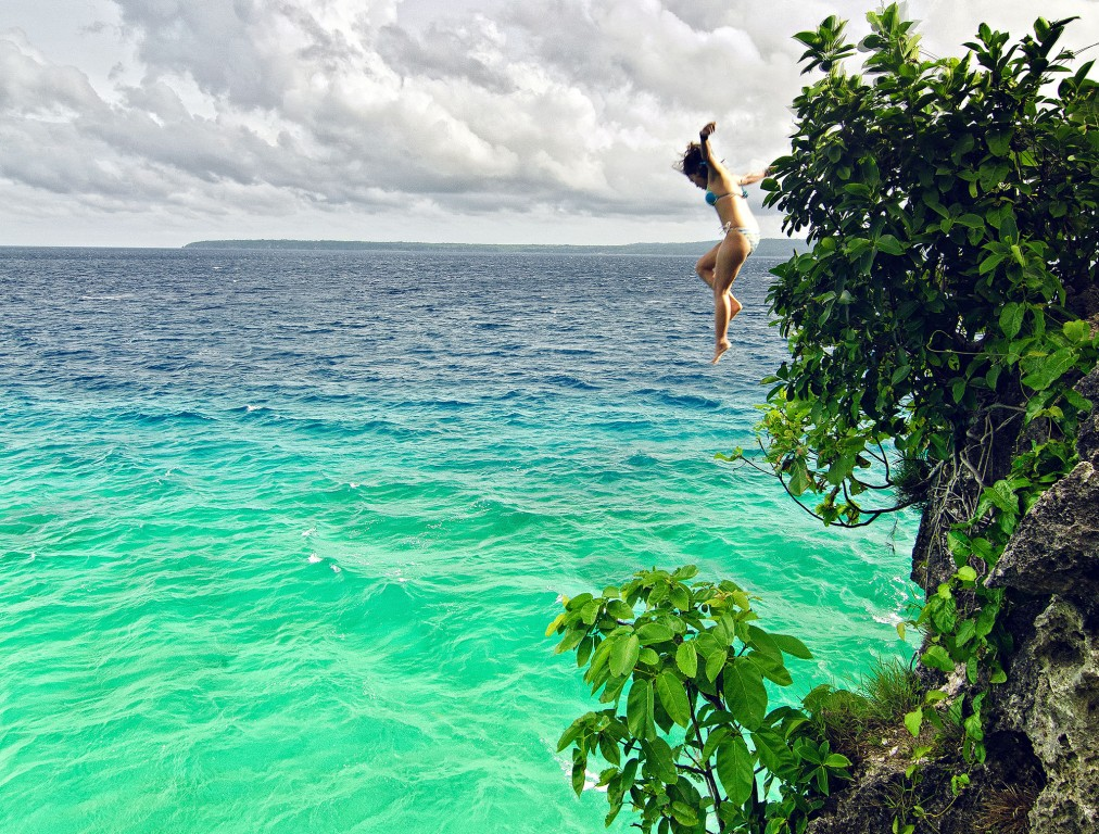 Cliff jumping in Siquijor