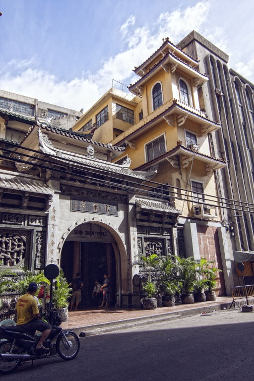 Seng Guan temple, Binondo, Manila. By Jocas See