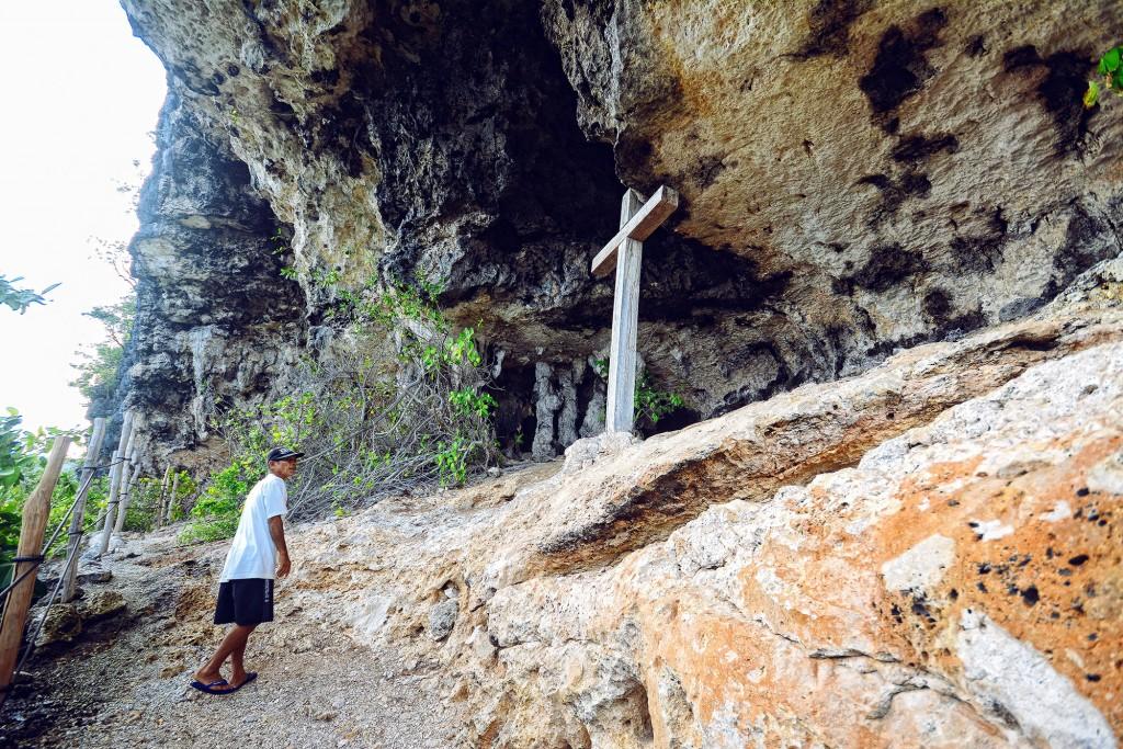 Burial Cave in Limanoc Island off Anda in Bohol. By Ferdz Decena