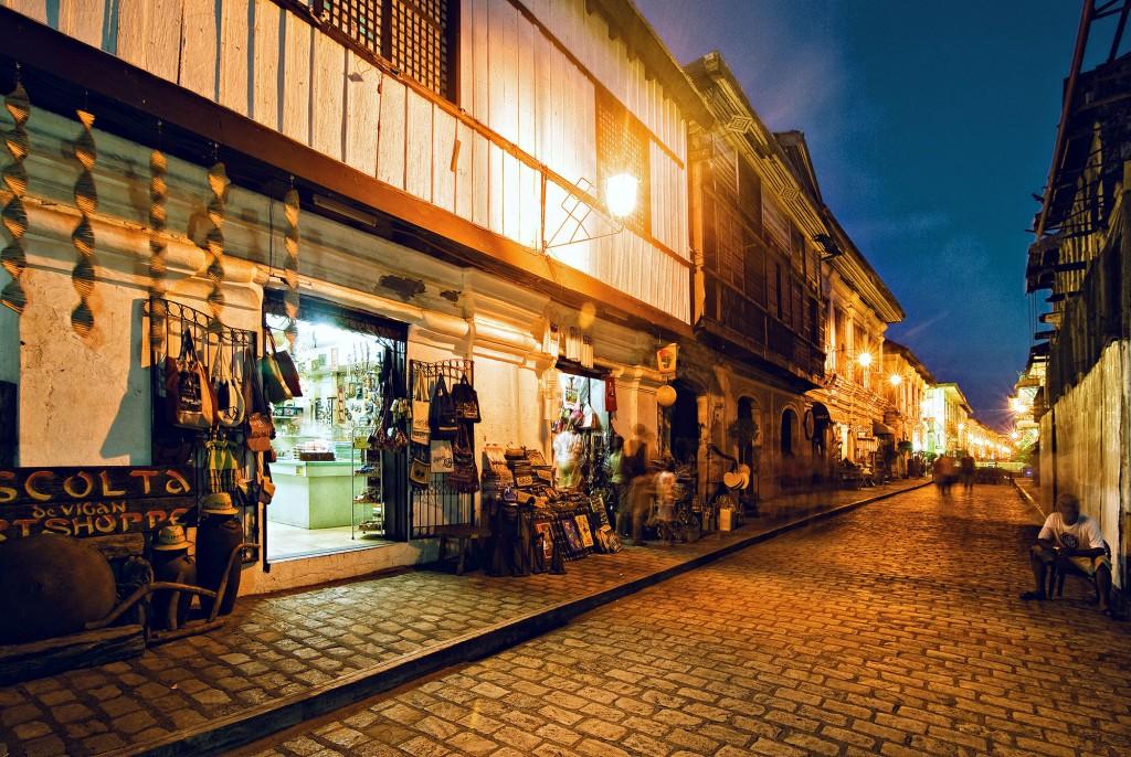 Calle Crisologo in Vigan, Ilocos Sur. By Christian Sangoyo