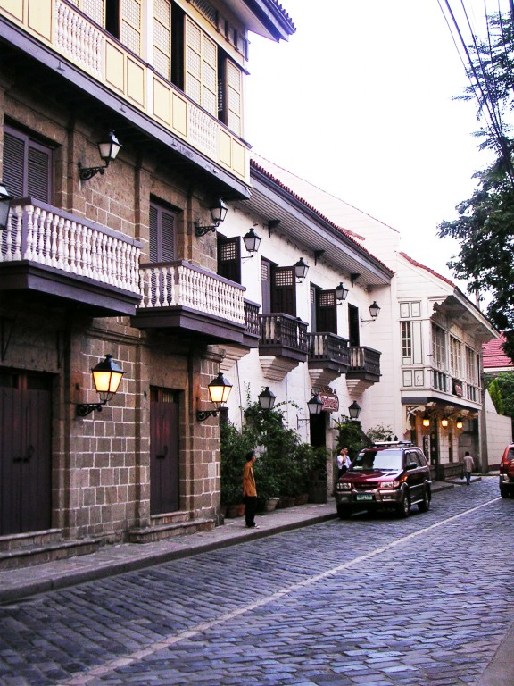 Walk the streets of Intramuros. By Anson Yu