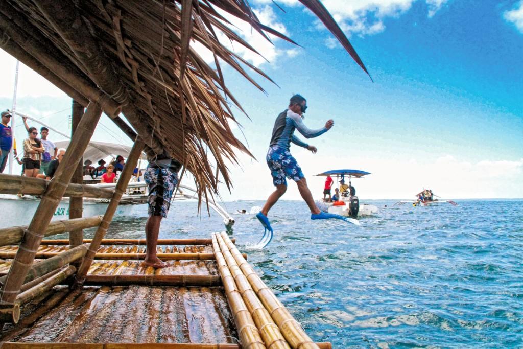 Snorkeling at Tunga-Tunga reef