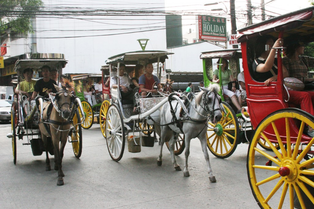 Ride a kalesa through the streets of Manila By Che Mambong