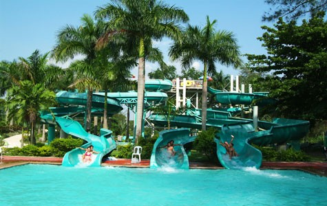 Aqua Thrill Slides in Fontana Water Park