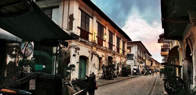Calle Crisologo in Vigan By Daniel Soriano