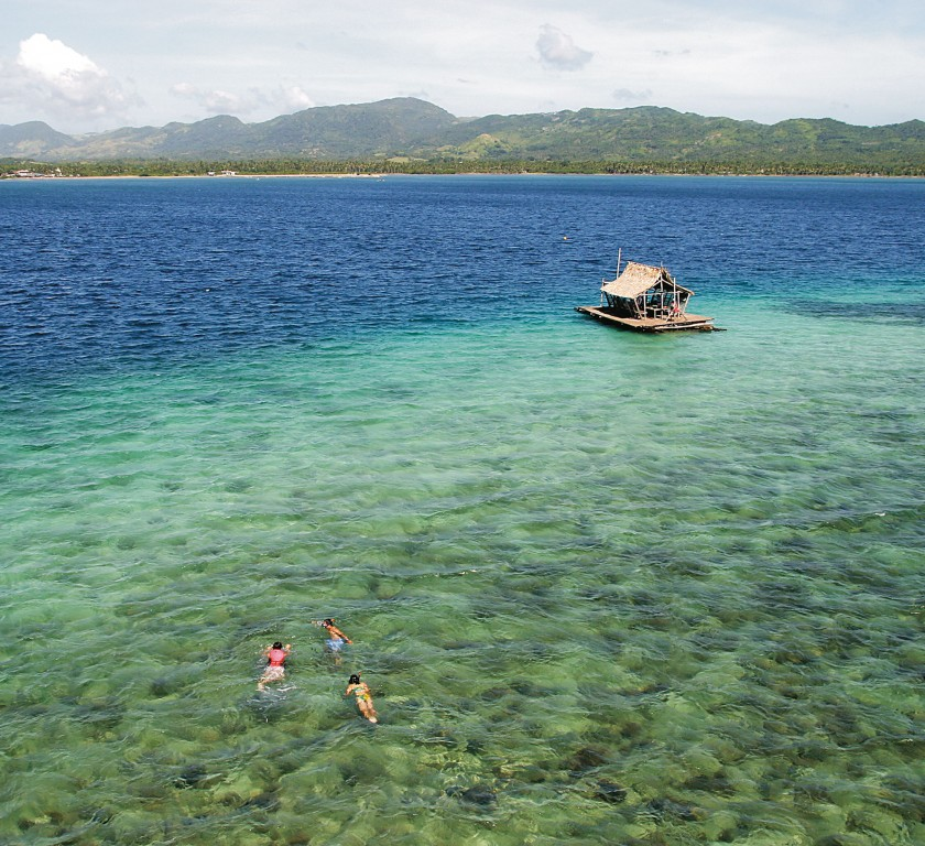 Looc Bay Marine Refure and Sanctuary, Romblon. By George Tapan