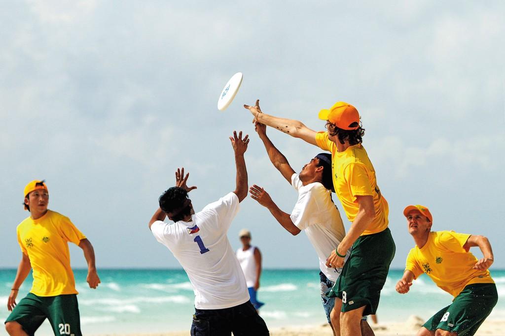 Ultimate frisbee By Daniel Soriano