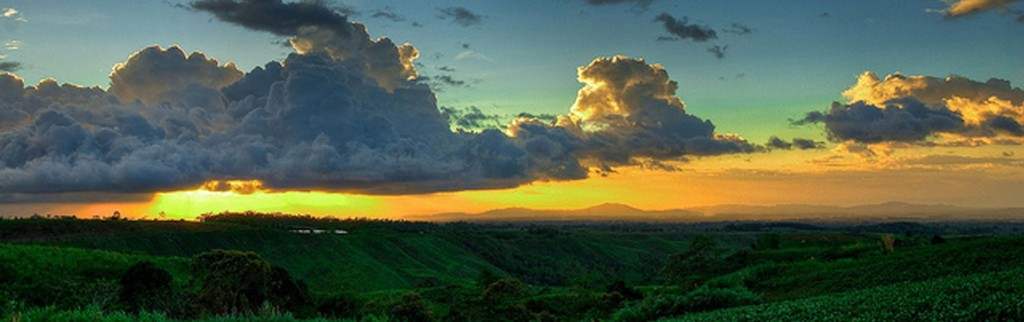 Bukidnon Sunrise By Jo Nicdao. Pinched from bukidnon.gov.ph
