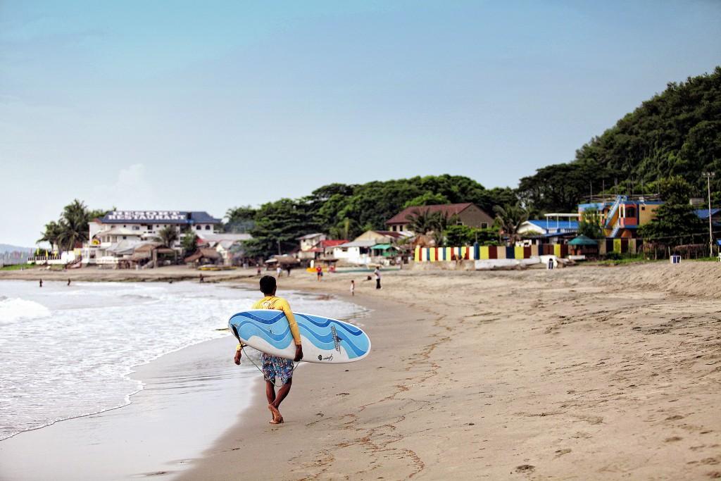 Urbiztondo beach Joel Garcia