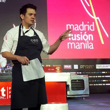 Chef Rob presenting at Madrid Fusion Manila 2015
