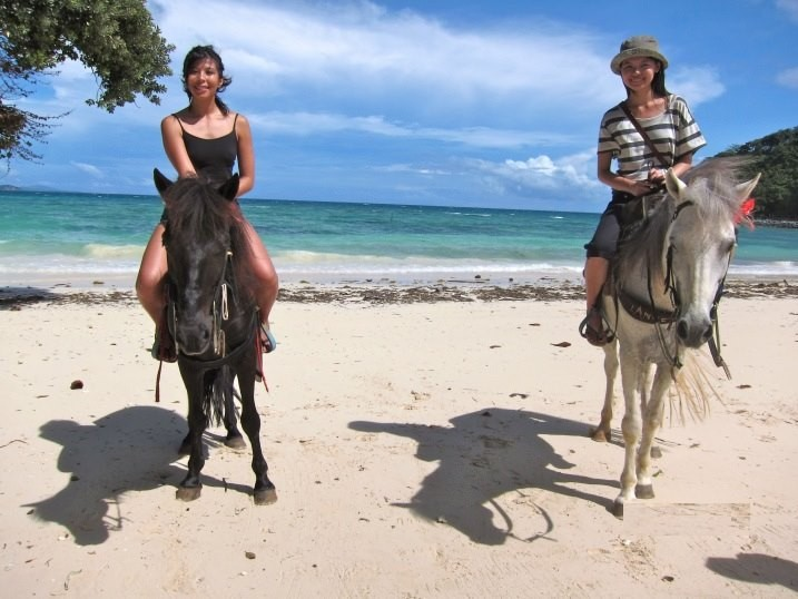 Horseback riding in Boracay pinched from the Facebook page of Horse Riding Stables Boracay