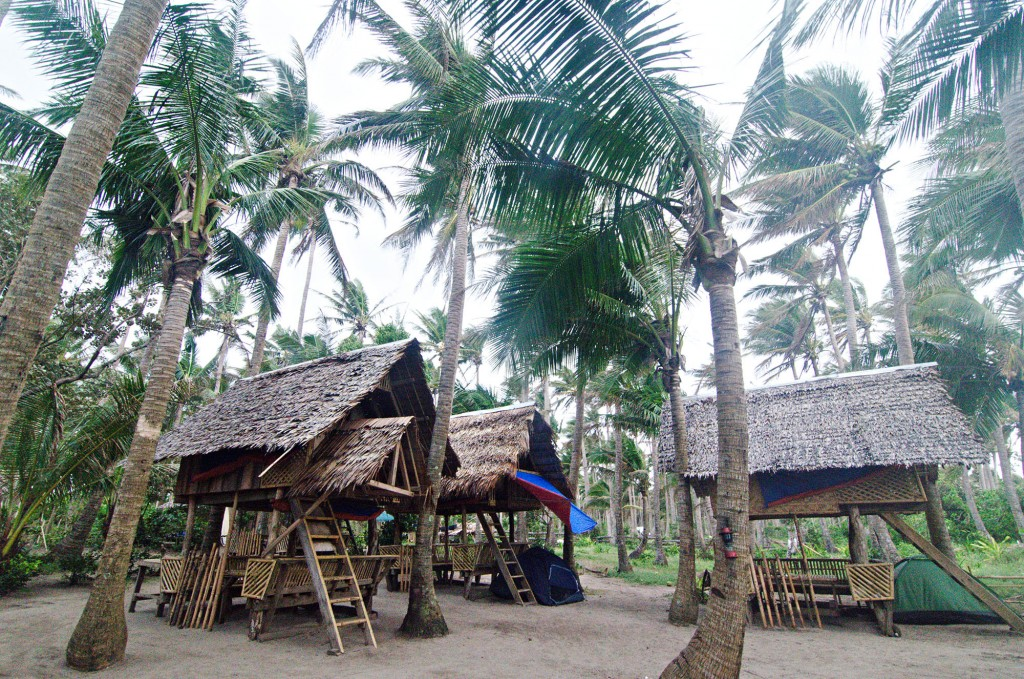 Open air cottages for rent at Lola Sayong Eco Surf Camp