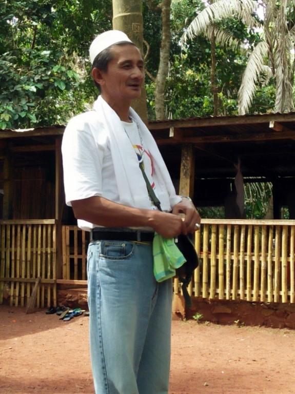 Sulu local Rudy Hamja, protector of Bud Bungao. Courtesy of WWF-Philippines