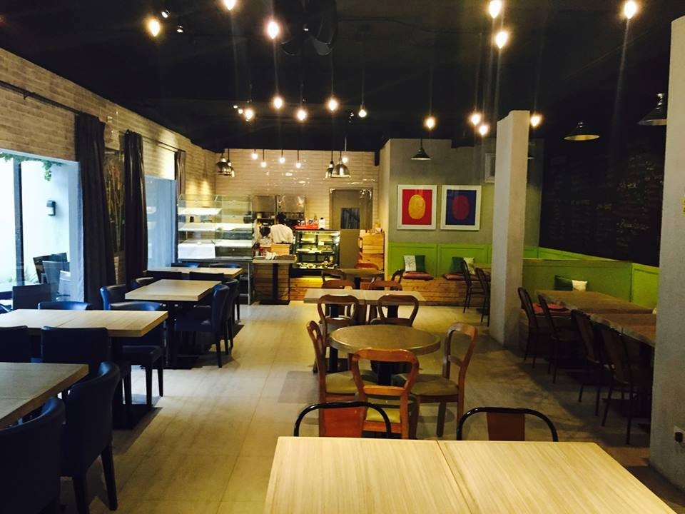 7 Flavor's first floor dining. Screengrabbed from 7 Flavors' Facebook page