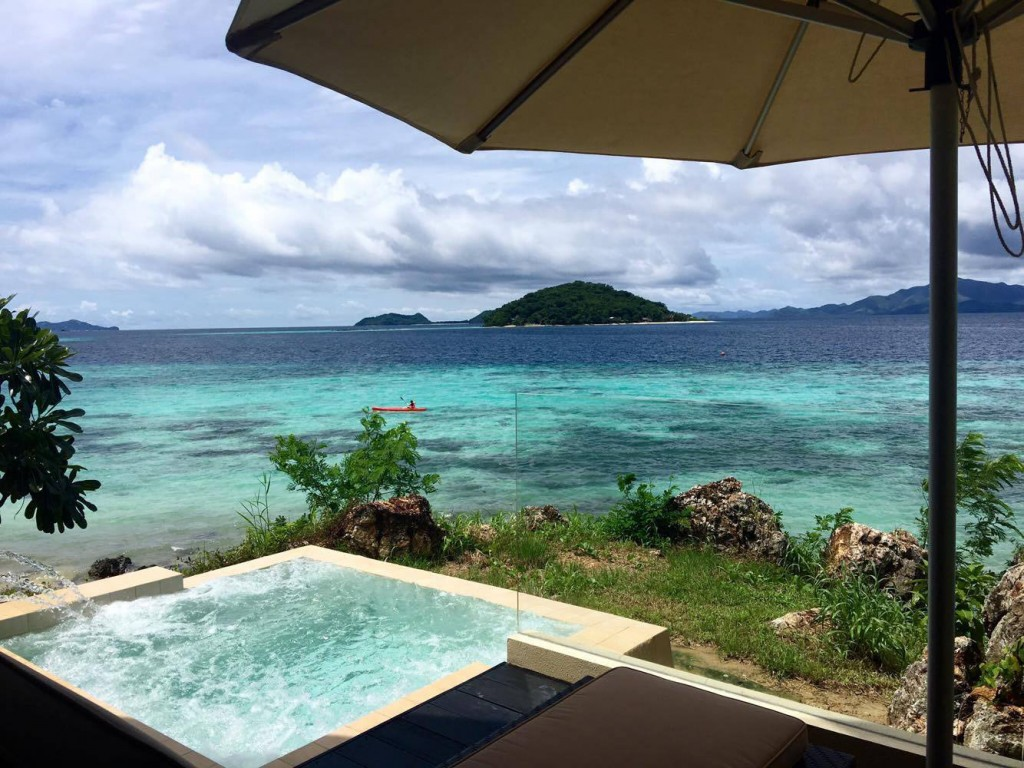 Two Seasons Coron's Island Tip Bungalow with jacuzzi